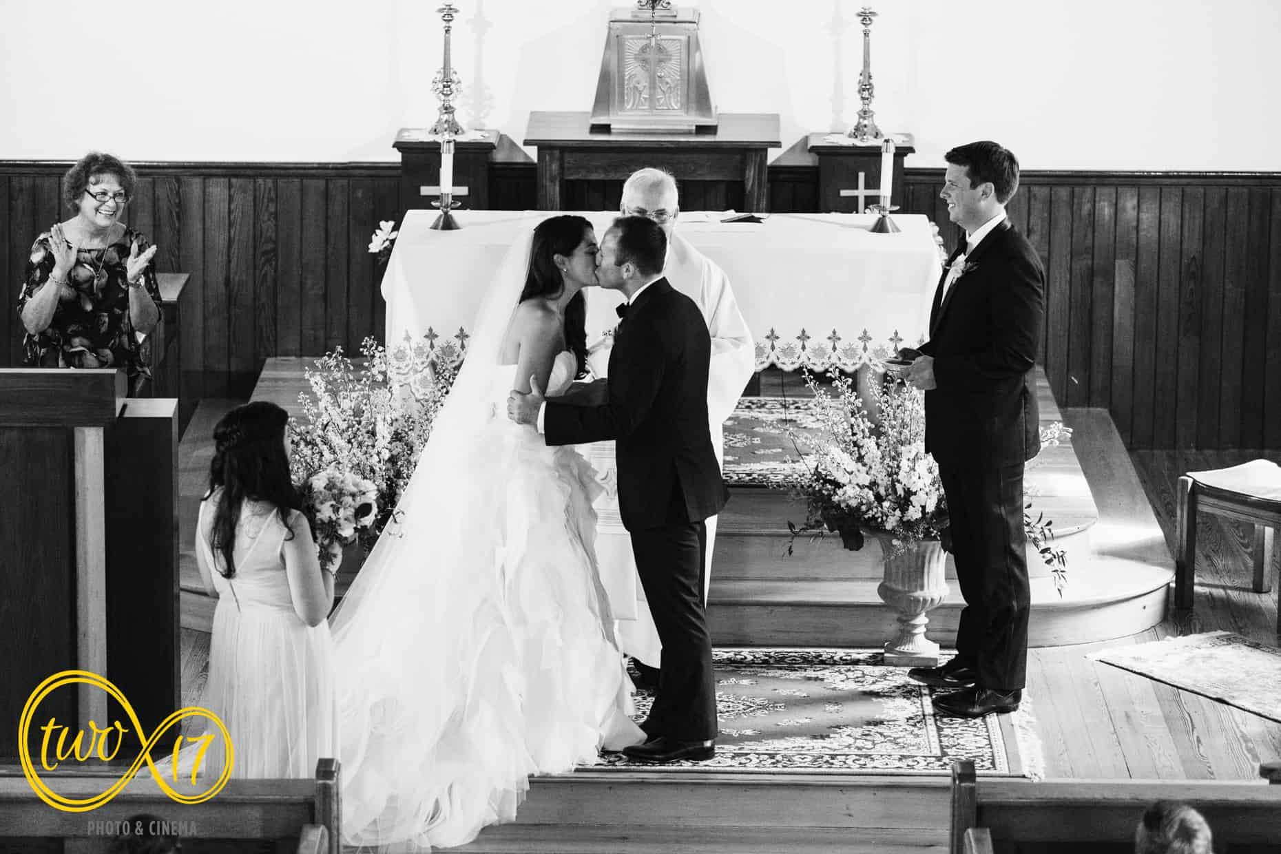 Willow Creek Winery Wedding Photographer