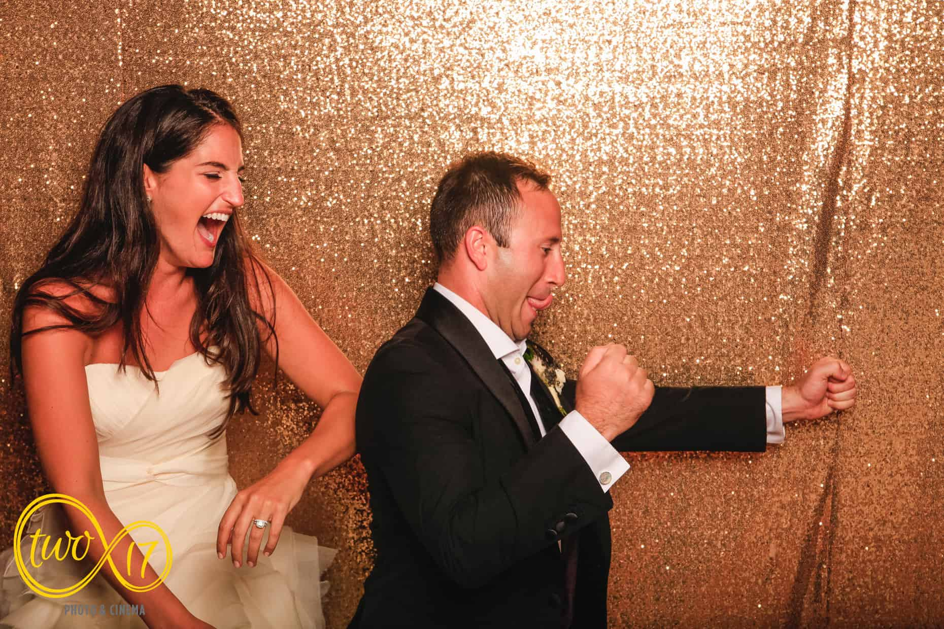 Willow Creek Winery wedding photo booth