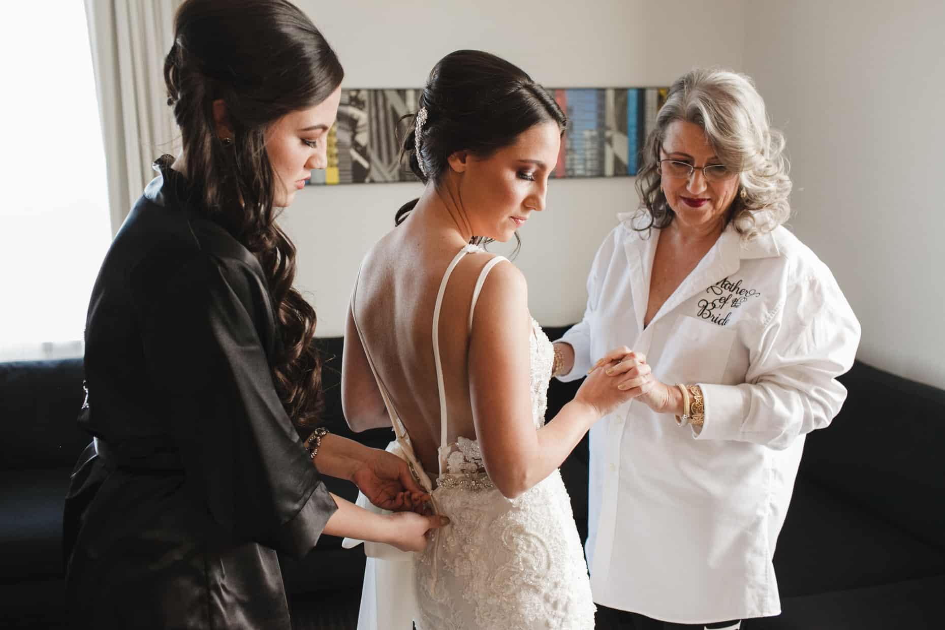 Philadelphia Loews Wedding Photography