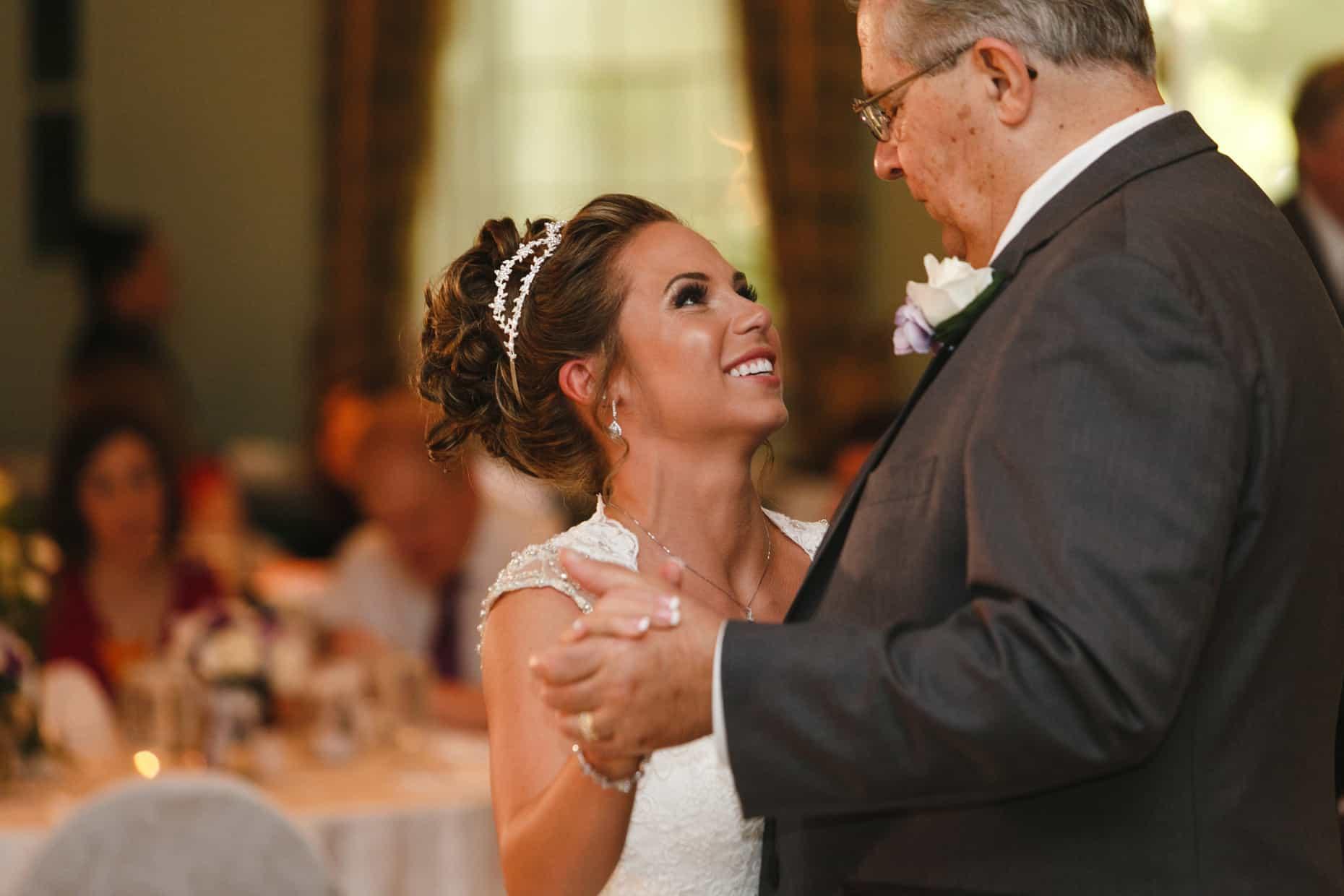 Mendenhall Inn Spring Wedding Picture