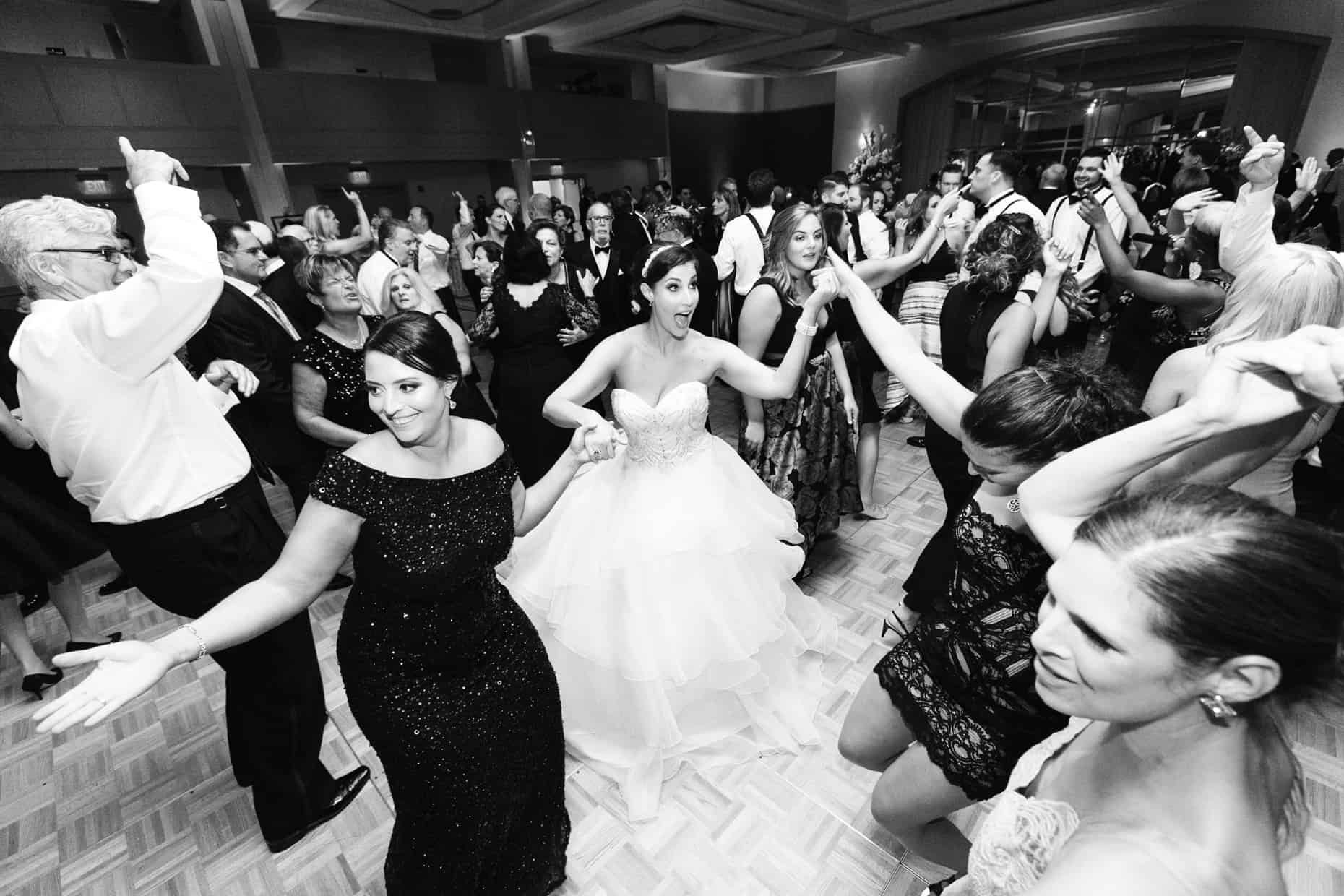 Wedding Pictures Hilton Penn's Landing