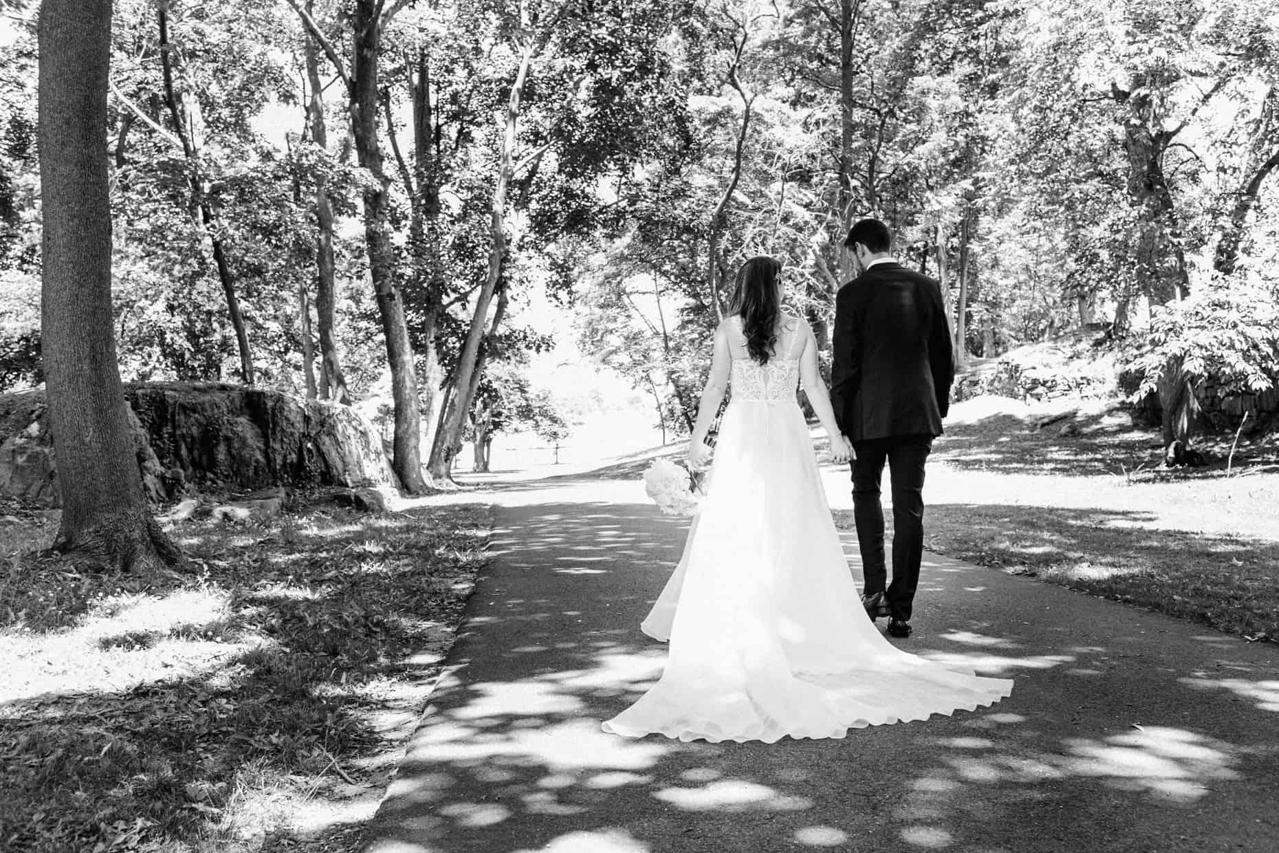 Wedding Photographer Glen Island Harbor Club