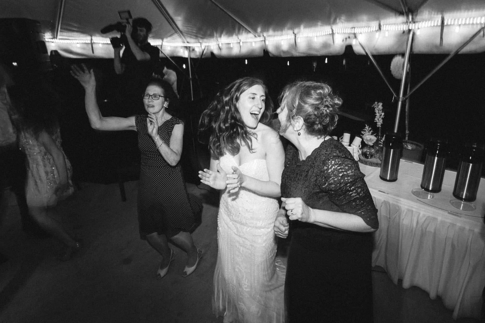 Delaware River Wedding Picture