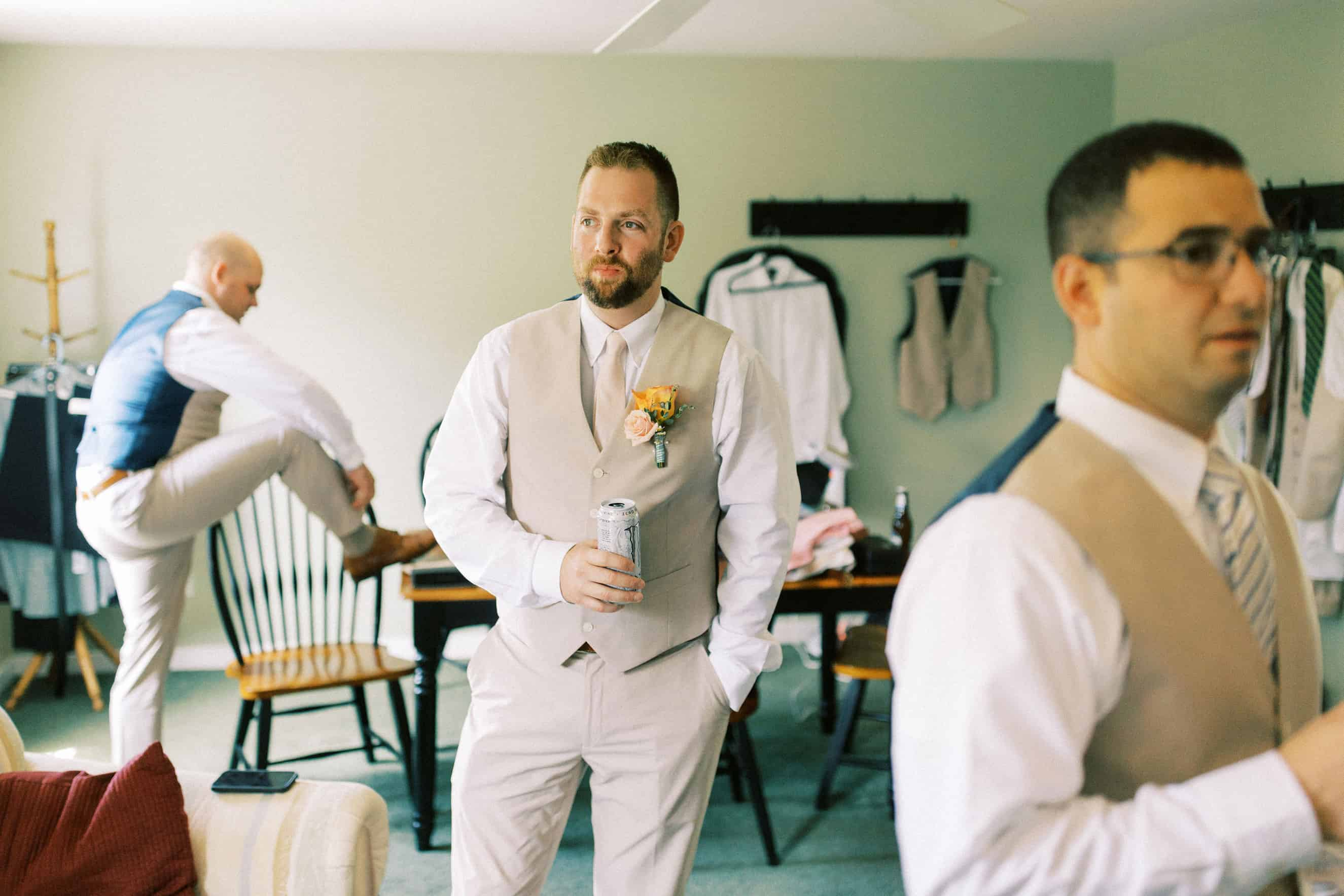 Wedding Photographer at Harvest View Barn at Hershey Farms